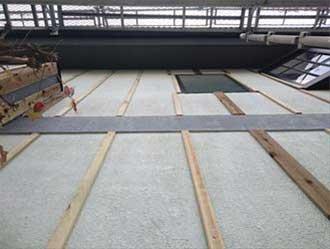 胴縁に使われる木材は防腐処理された杉材