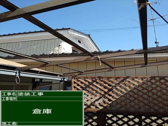 つくば市でウッドデッキテラスの屋根を交換。ポリカーボネート波板の交換時期は?