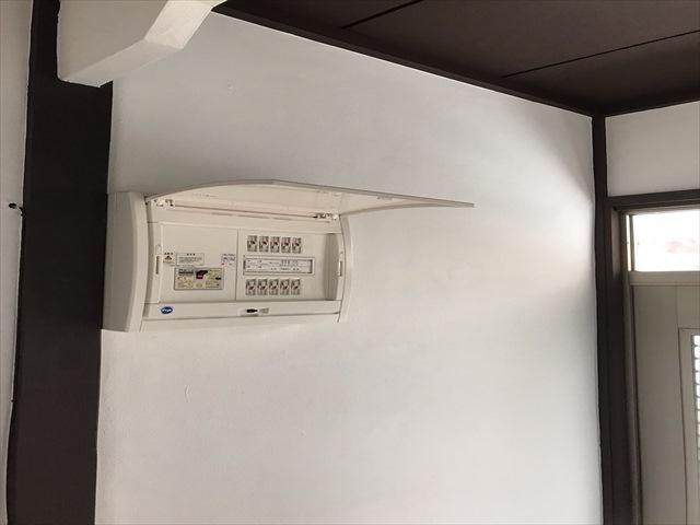 つくば市空き家再生_玄関室内ブレーカー配電盤_0329_M00035 (1)