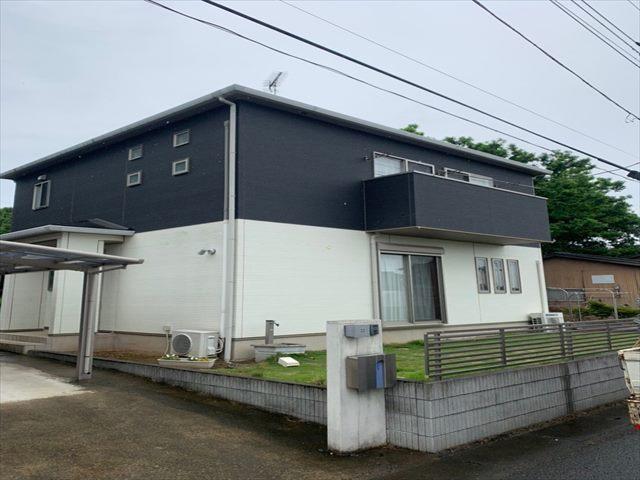 土浦市で屋根と外壁の塗り替え工事!苔がひどかった北面外壁を徹底的に洗浄していきます。