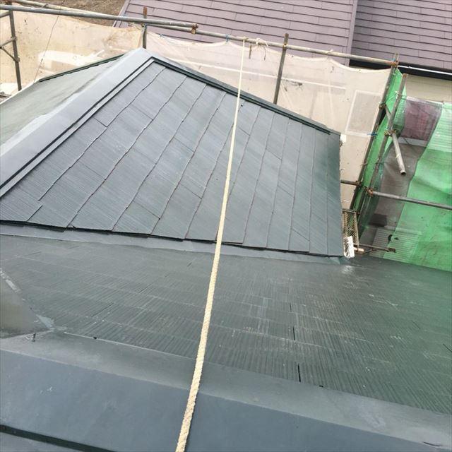 屋根下塗り完了20190412