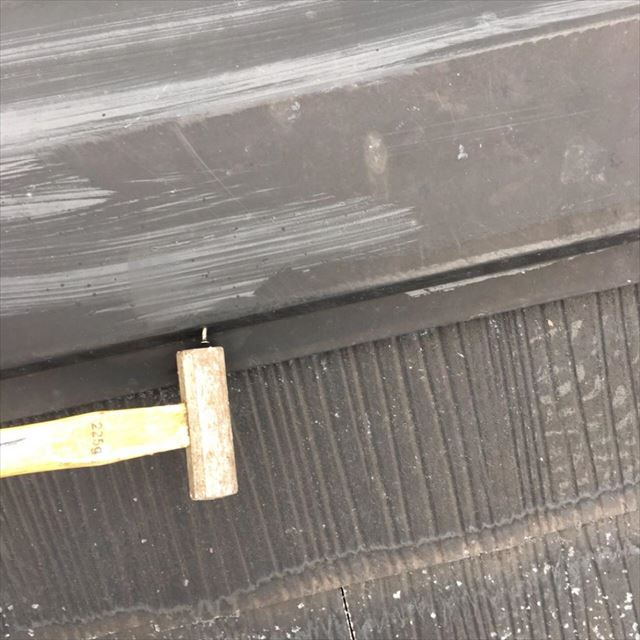 屋根釘打ち込み