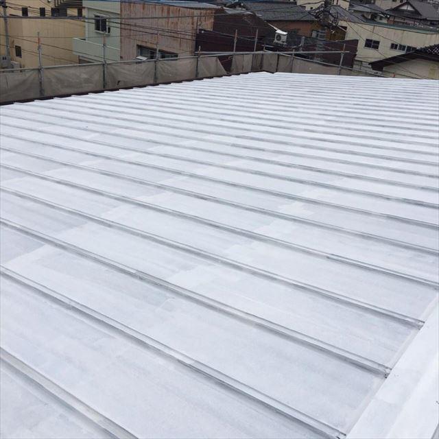 屋根下塗り完了20190601