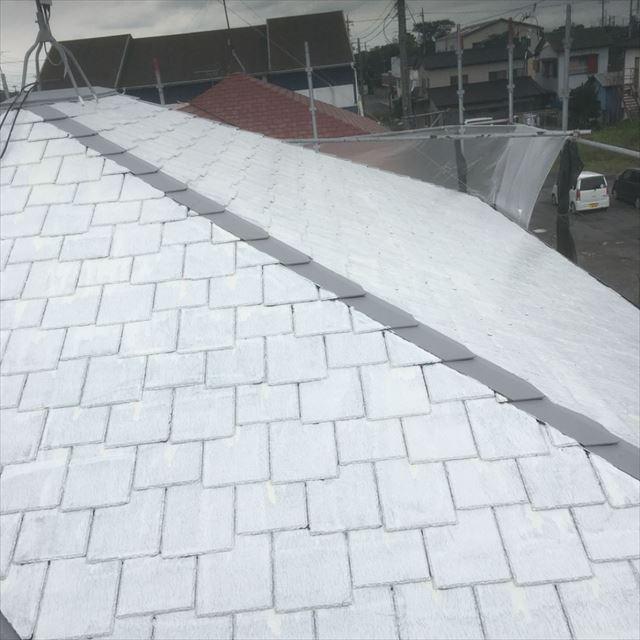 屋根下塗り完了2010408
