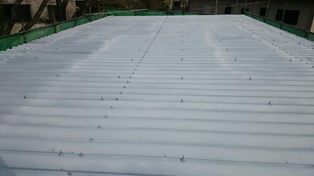 屋根下塗り完了20008