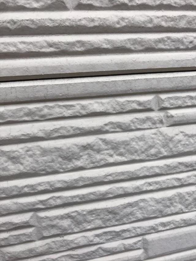 外壁の重ね目