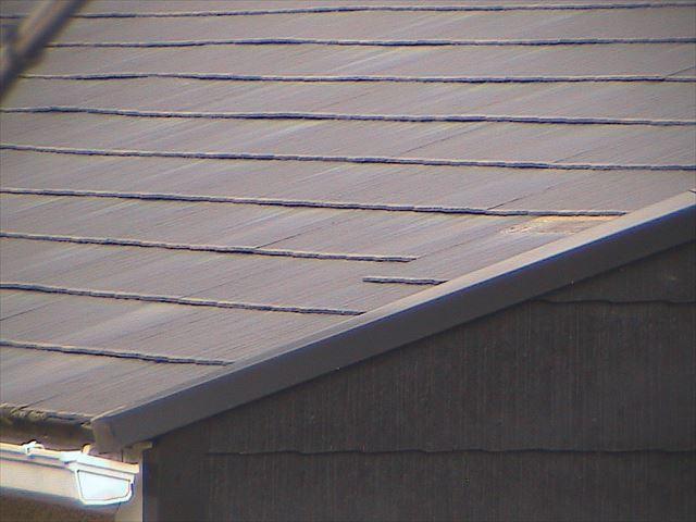 ずれた屋根板