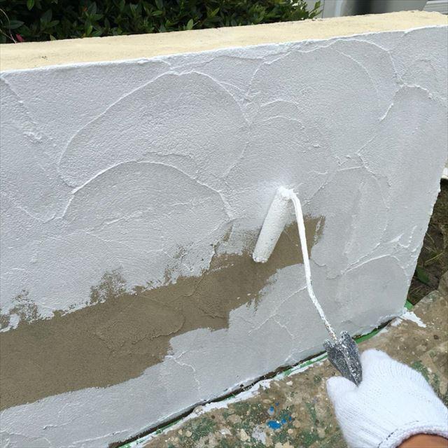 塀下塗り20190415