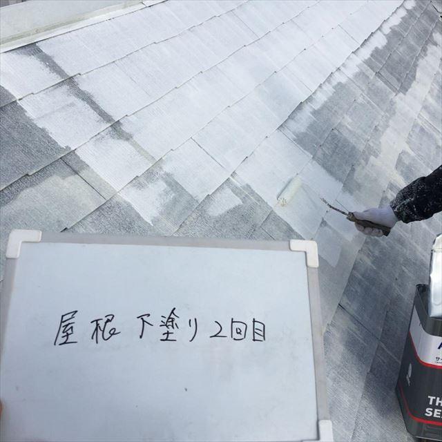 屋根下塗り2回目20190404