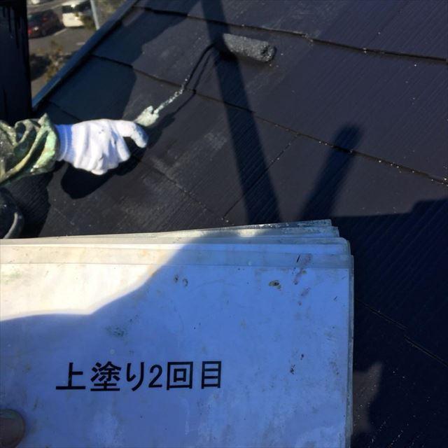屋根上塗り2回目20190404