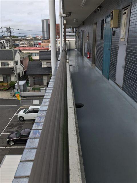 土浦市マンションの共用部を調査。外壁タイルや外壁モルタルのヒビ割れに注意