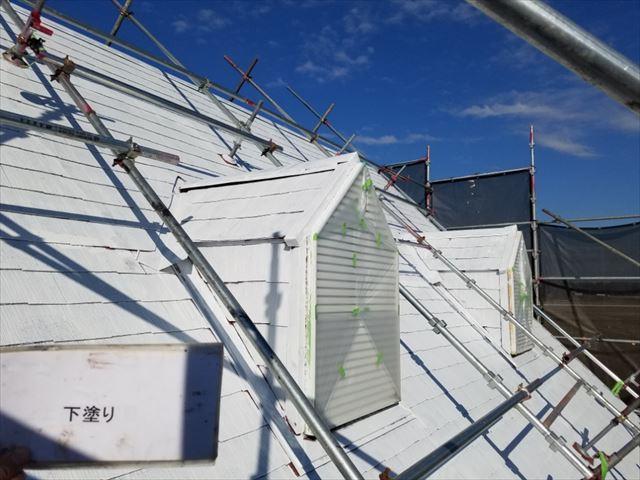 屋根下塗り完了20190419