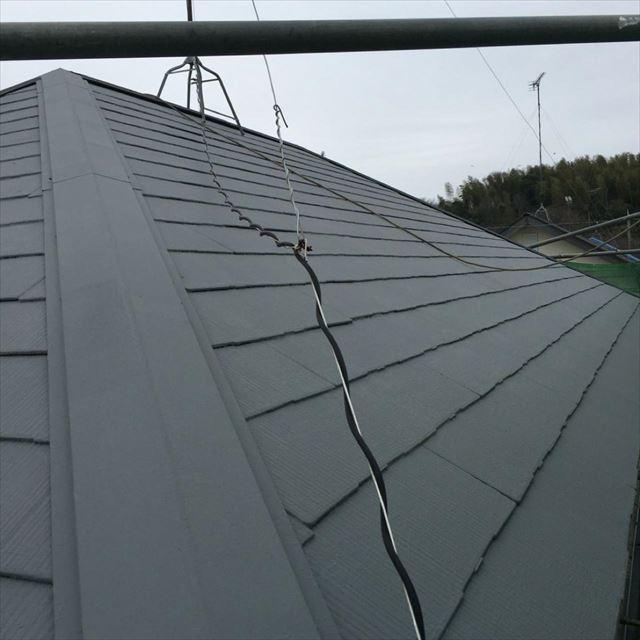 屋根上塗り二回目20190412