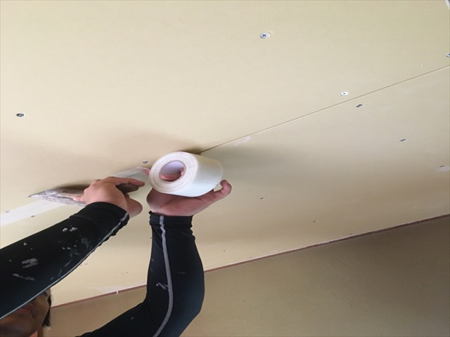 天井石膏ボード、グラスファイバーパテ_0709_M00032 (1)