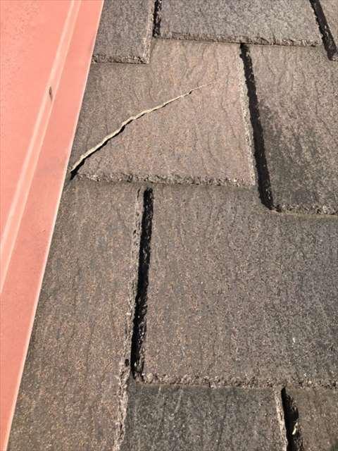 屋根ーコロニアルー割れ (4)_M00018