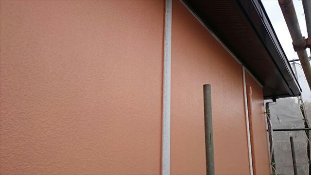 外壁中塗り施工後