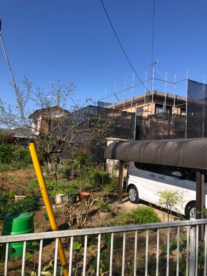 かすみがうら市で一軒家の塗装のご依頼!工事前に安全対策として足場を設置!