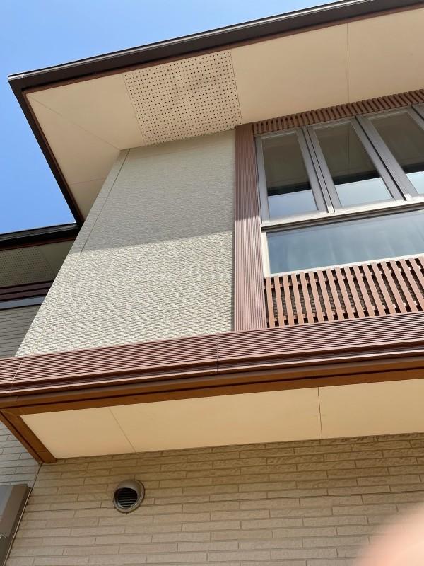 土浦市で塗装工事!軒天の弱点は湿気とカビ!腐食防止に防カビ塗装を行います!
