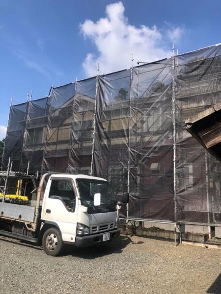 土浦市で補修工事!古くなった棟板金を貫板ごと交換して行きます!