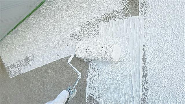 外壁補修個所下塗り