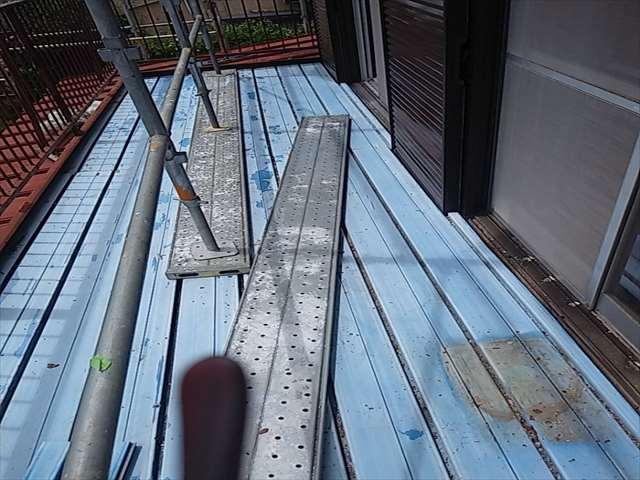 下屋根塗装のためベランダ板撤去_0724_M00032 (1)