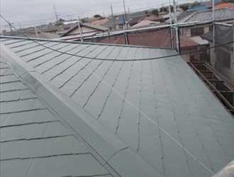 スレート屋根塗装、中塗り工程完了